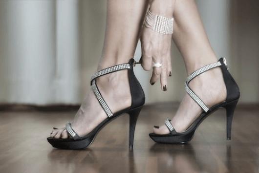 Εξαφανίστε τον πόνο στα πόδια με απλές οδηγίες υπόδησης