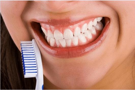 τρίξιμο των δοντιών και στομα