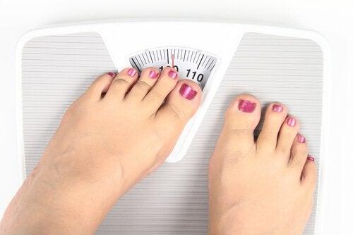 δίαιτα αποτοξίνωσης με μηλόξυδο και ζυγαρια
