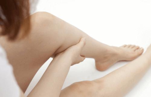 Πώς να σταματήσετε γρήγορα τις μυϊκές κράμπες