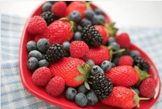 αυξήσετε τη ροή του αίματος  με μούρα και φράουλες