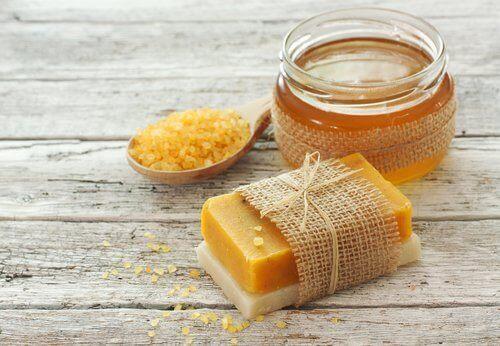 σαπούνι με καρότο - μελι