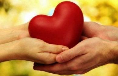 καρδιά- με υψηλή συναισθηματική νοημοσύνη