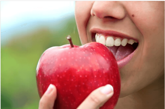 Φρούτα μετά το βραδινό; Είναι υγιεινό να τα τρώτε;
