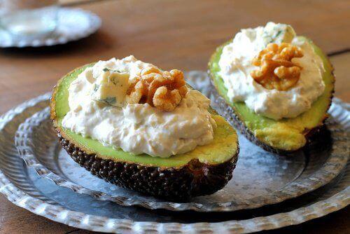 4 υγιεινές συνταγές για γεμιστά λαχανικά