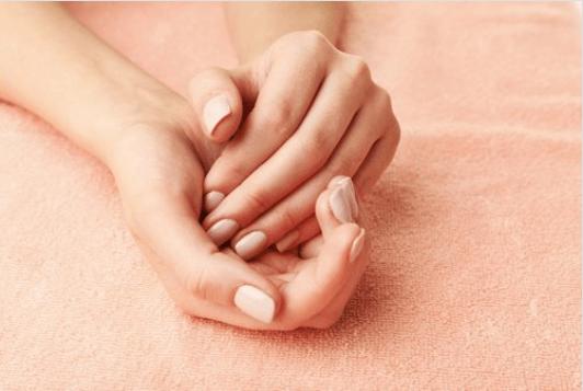 Γυναικεία χέρια