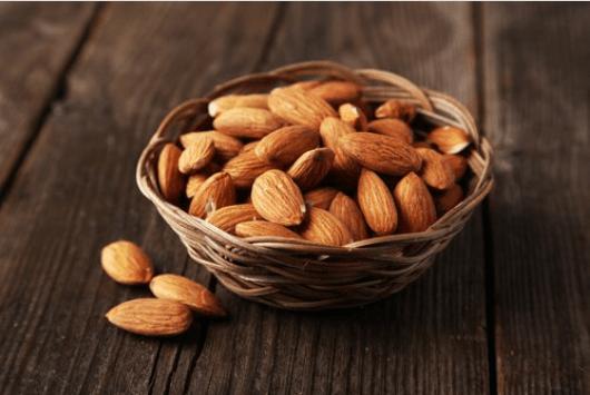 ξηροί καρποί για υγιεή θυρεοειδή