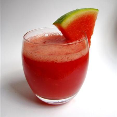 φρούτα που τονώνουν το δέρμα σας, καρπούζι, φράουλα