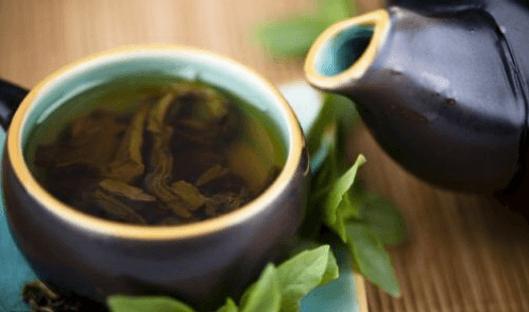 Θεραπευτικός καθαρισμός με πράσινο τσάι, λεμόνι και στέβια