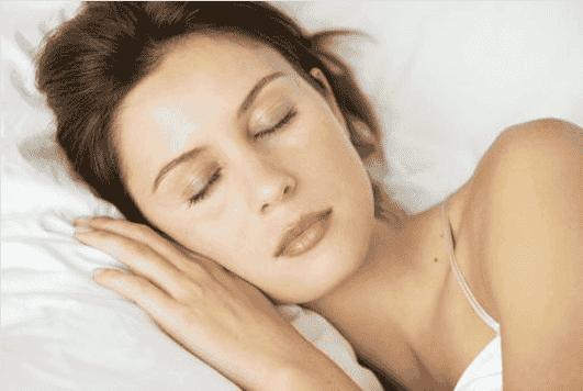 Κοιμηθείτε καλύτερα με αυτές τις 10 τροφές