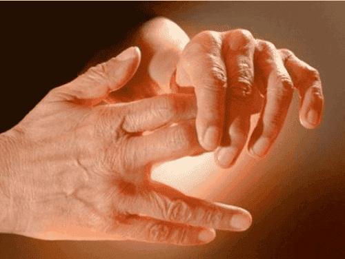 Μάθετε τους λόγους που μυρμηγκιάζουν τα πόδια και τα χέρια