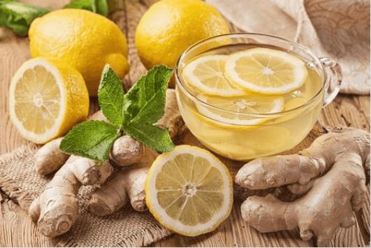 τσάι πιπερόριζας και λεμονι