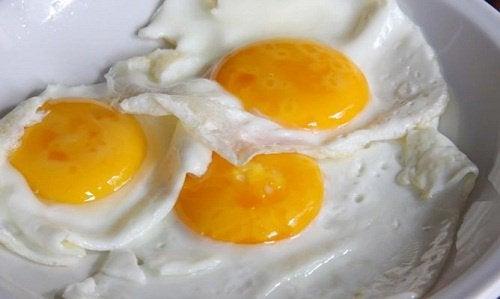 να τρώτε αβγά ή να τα αποφεύγετε
