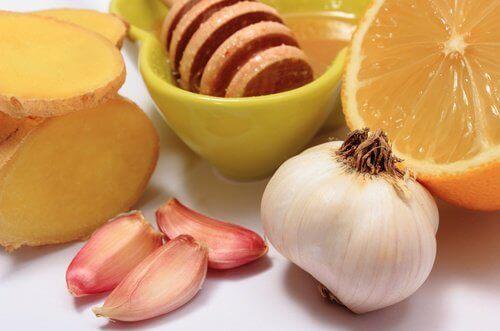Τζίντζερ, σκόρδο και μέλι για 8 κοινές ασθένειες