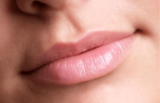 Αποκτήστε πιο σαρκώδη χείλη ακολουθώντας αυτές τις συμβουλές!