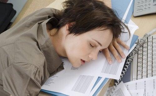Ποια είναι τα 5 λάθη που προκαλούν αϋπνία;