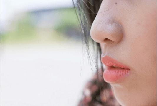χείλη, σαρκώδη χείλη