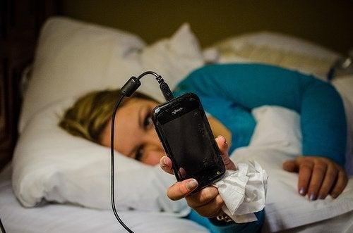 λάθη που προκαλούν αϋπνία - κινητό