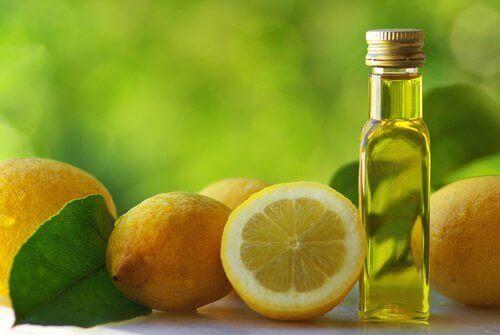 Μείγμα για να καθαρίζει το συκώτι - Λεμόνια και ελαιόλαδο σε μπουκάλι