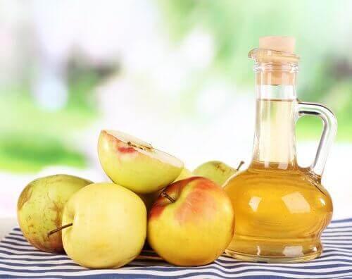 σπιτικές θεραπείες για την ονυχομυκητίαση - μηλοξυδο