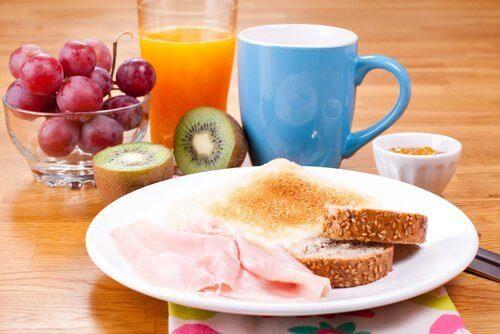 πρωινο γέυμα - πρωινή ρουτίνα