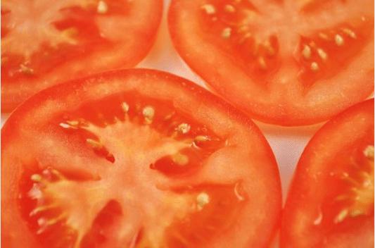 Πως θα αντιμετωπίσετε τις ευρυαγγείες με ντομάτες