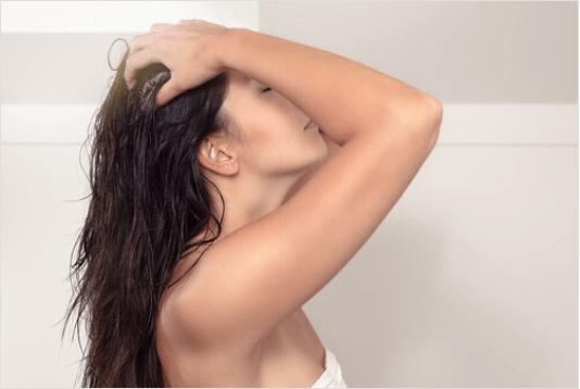 μαλακτική κρέμα με μακριά μαλλιά