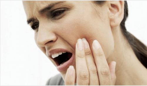 10 φυσικές θεραπείες αντιμετώπισης του πονόδοντου