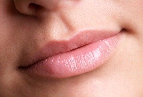 κόλπα του μακιγιάζ φυσικά χείλη