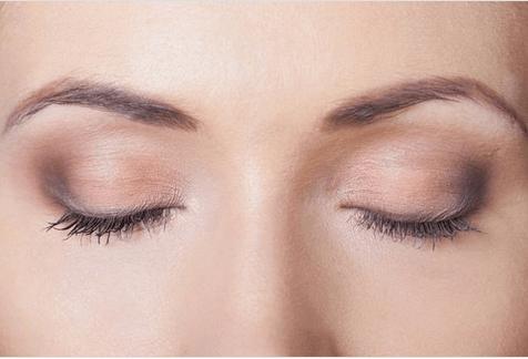 7 ενδιαφέροντα πράγματα που συμβαίνουν όταν κοιμάστε βαθιά