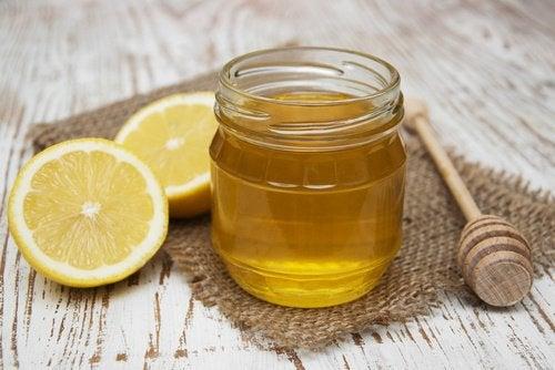 ισιώσετε φυσικά τα μαλλιά λεμονι και μέλι