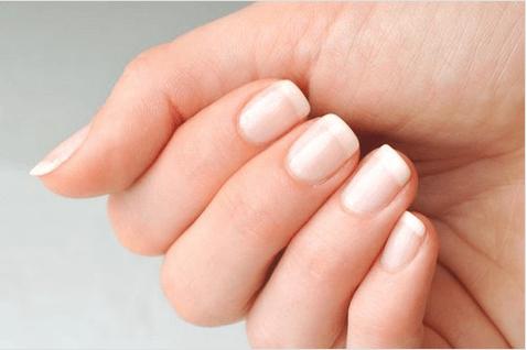 καταπληκτικά οφέλη του καστορέλαιου στα νύχια