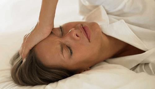 8 σπιτικές θεραπείες για τις εξάψεις της εμμηνόπαυσης