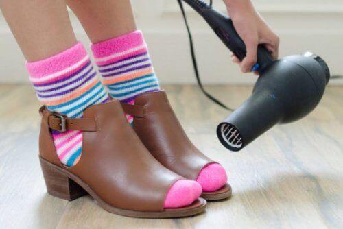 σεσουαρ για να μην χτυπούν τα παπούτσια