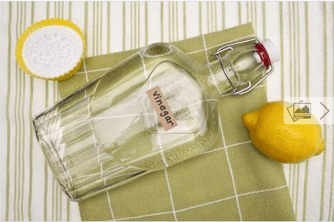 Καθαρίστε τους αρμόστοκους - Άσπρο ξύδι σε μπουκάλι και λεμόνι