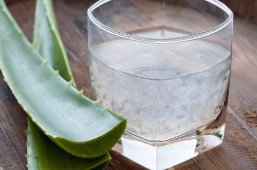 Πώς να χρησιμοποιήσετε το χυμό αλόης για φαρμακευτική χρήση;