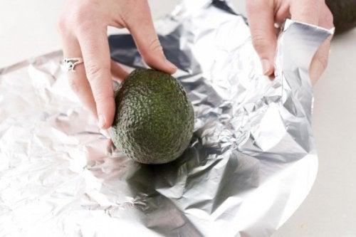 5 κόλπα για να ωριμάσουν τα αβοκάντο