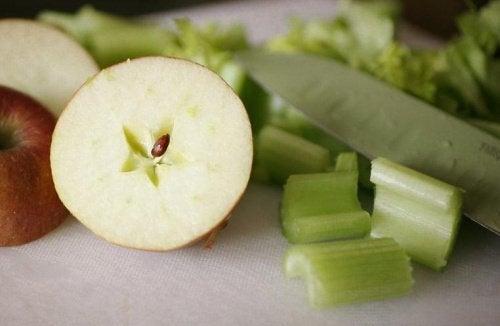 σέλινο και πράσινο μήλο