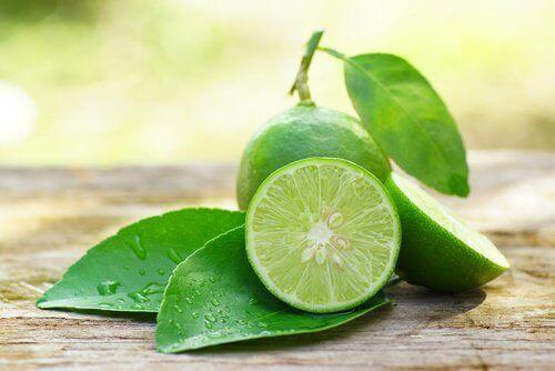 λεμονάδα με πράσινο τσάι