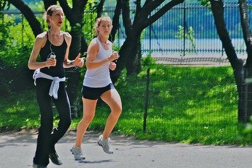 Γυναίκες τρέχουν