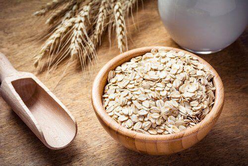 τροφές που καταπολεμούν κόπωση και πονοκέφαλο - βρώμη
