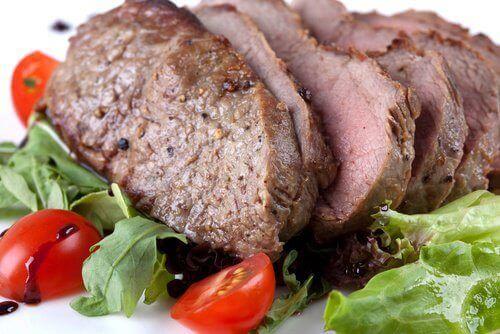 τροφές που καταπολεμούν κόπωση και πονοκέφαλο - άπαχο κρέας