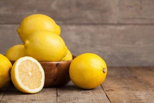 Ρόφημα με λεμόνι - Λεμόνια