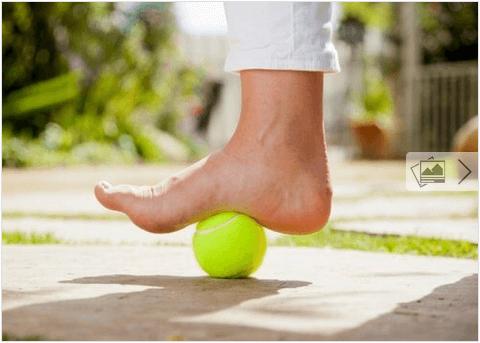Μπαλάκι του τένις για τον πόνο της πελματιαίας απονευρωσίτιδας