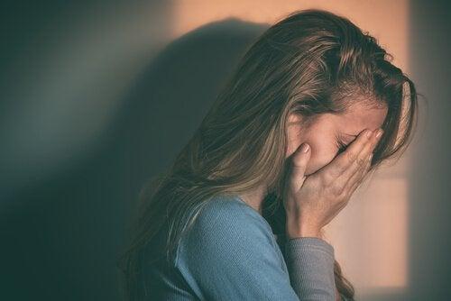 Ποιες είναι οι 3 κύριες αιτίες της κατάθλιψης;