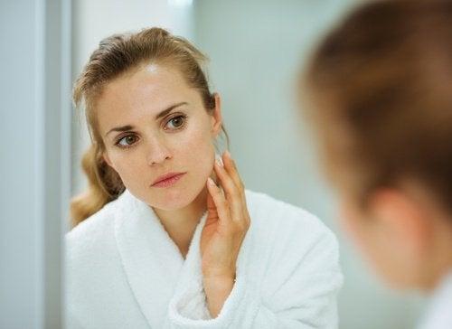 Αποτελεσματικές μάσκες για τις πανάδες στο πρόσωπο