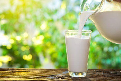 τροφές που μειώνουν το άγχος, γάλα