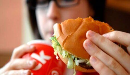 9 τροφές που προκαλούν σωματική οσμή