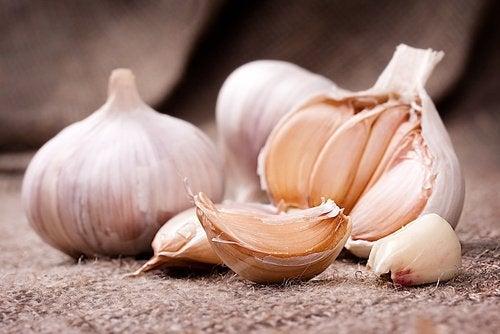 τροφές που προκαλούν σωματική οσμή - σκόρδο