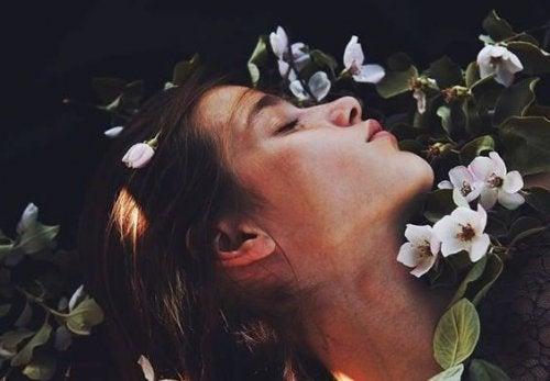 Ένας αναστεναγμός μπορεί να έχει περισσότερο νόημα από ένα φιλί
